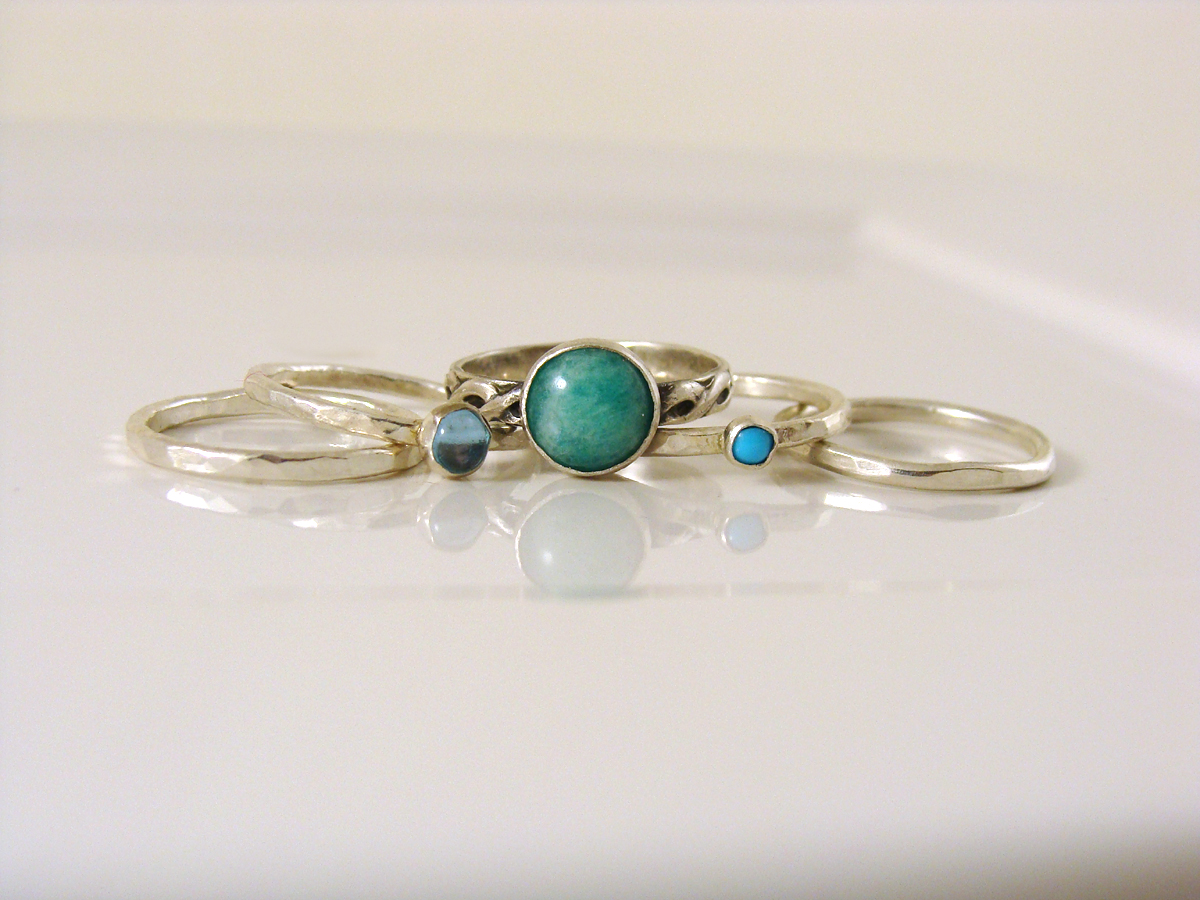 Set of 5 stacking rings, spread out