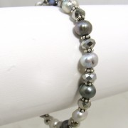 greypearl-bracelet-on-bar