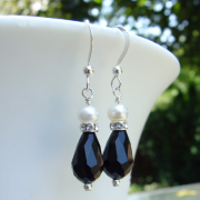 Pearl with black teardrop earrings